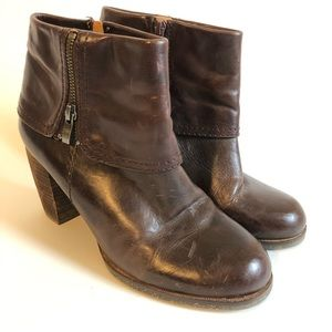 Naya brown LARK booties/ 9
